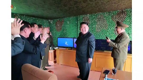 كوريا الشمالية تطلق صاروخين قصيري المدى وتدعو واشنطن لاستئناف المفاوضات