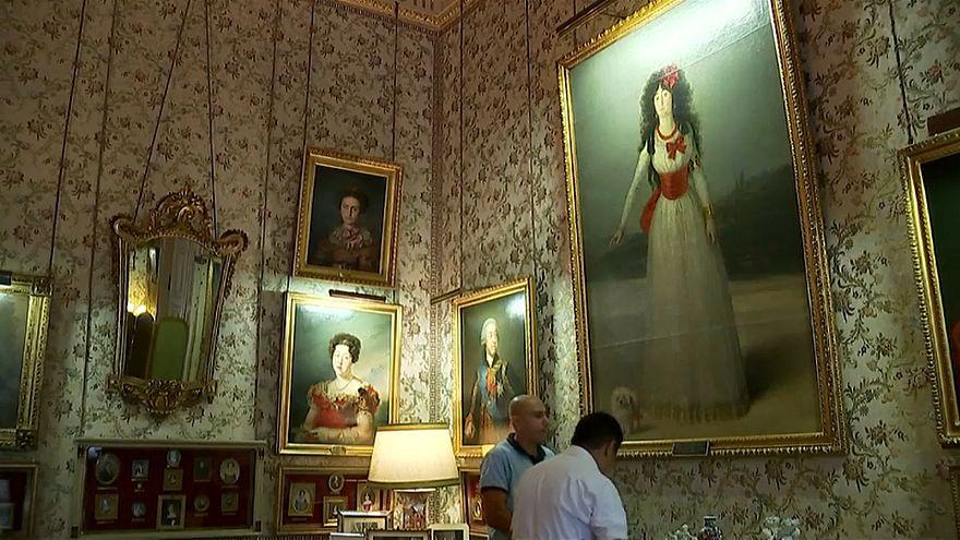 La duquesa de Alba vuelve al palacio de Liria a tiempo para su apertura