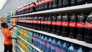 Minél cukrosabb, annál drágábban adnák - megadóztatnák a cukros üdítőket a kutatók
