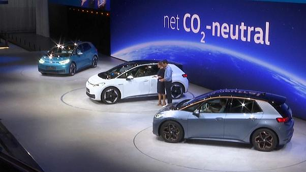شاهد: شركات عالمية تكشف عن سيارات كهربائية في معرض فرانكفورت الدولي