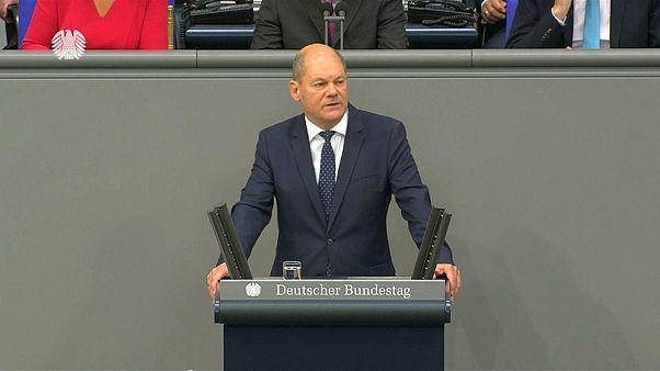 Scholz erklärt Haushalt: 360 Milliarden Euro plus Klimaschutz