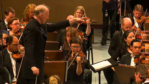 Gianandrea Noseda dirigeant le London Symphony Orchestra