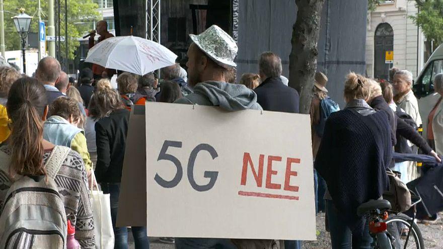 """""""Gefährliche Strahlung"""": Protest gegen 5G"""