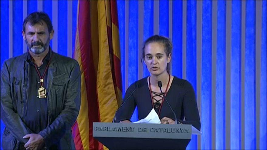 Carola Rackete recebe medalha de honra do parlamento catalão