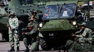 Venezuela inicia exercícios militares na fronteira com a Colômbia