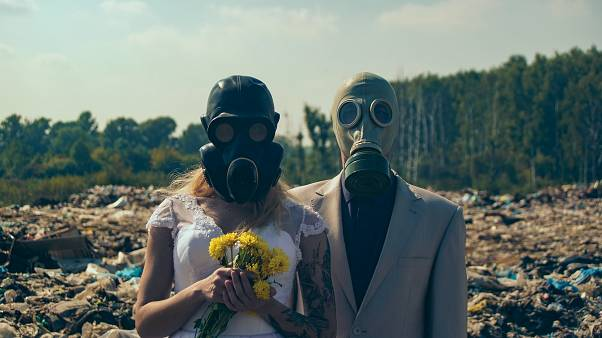 Рязанские экоактивисты устроили свадебную фотосессию на свалке