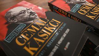 """كتاب عن """"مقتل خاشقجي"""" كتبته خطيبته خديجة جنكيز"""