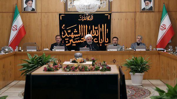 الرئيس الإيراني يحذر الولايات المتحدة من فشل سياسة التهديد بالحرب