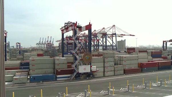 Kína enyhít a vámokon