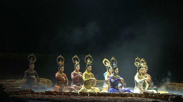 Moskova'da tarihi Bolşoy Tiyatrosu'nda Çin koreografileri sergilendi