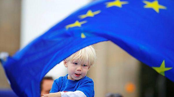 """الأوروبيون يطالبون التكتّل بـ""""رسم مساره الخاص"""" على الصعيد العالمي"""