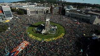 İspanya: Ayrılıkçı 12 Katalan siyasetçiyle ilgili son karar öncesi dev gösteri
