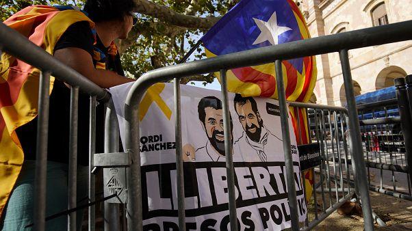 İspanya'da saldırı hazırlığı içindeki dokuz Katalan'a polis baskını