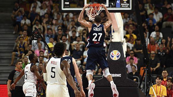 """Mondial de basket : exploit des """"Frenchies"""" qui sortent les Américains en quarts"""