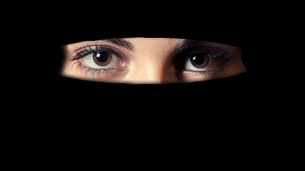 """تقرير يدعو إلى تصنيف الأوروبيات العائدات من داعش كتهديد إرهابي بدل """"عرائس"""""""