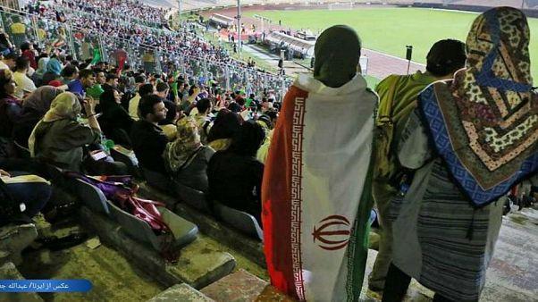 بعد وفاة مشجعة...الفيفا ترسل وفدا إلى إيران لمتابعة اجراءات السماح للنساء بدخول الملاعب