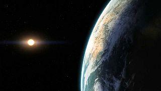 Planeta com água é descoberto fora do sistema solar