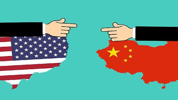 جنگ تجاری چین و آمریکا؛ با «حسن نیت» ترامپ اعمال تعرفه بر کاهالای چینی عقب افتاد