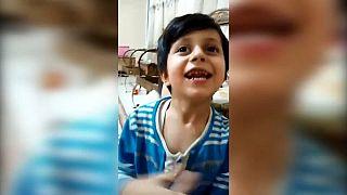 La storia di Younes, bambino iraniano vittima delle sanzioni statunitensi