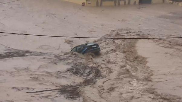 Las lluvias torrenciales se cobran dos vidas en España
