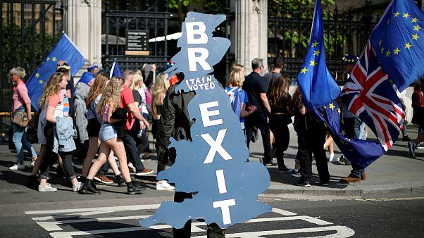 طرح پارلمان اروپا برای مخالفت با رویکرد بریتانیا در قبال برکسیت
