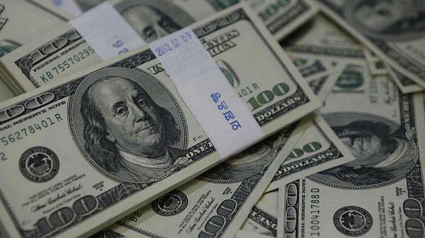 کاهش تقاضای عاشورا همزمان با برکناری بولتون؛ نرخ دلار ۲۰۰ تومان کاهش یافت