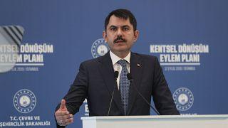 """Çevre ve Şehircilik Bakanı Murat Kurum, İstanbul'da bir otelde, """"Kentsel Dönüşüm Eylem Planı""""nı açıkladı."""