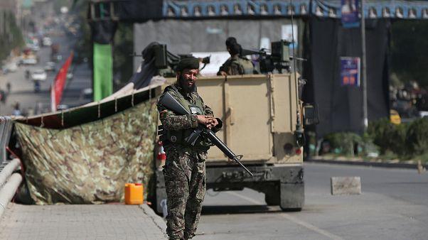 Afgan ordusu mensubu bir asker