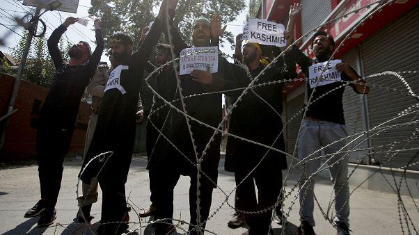 Hindistan'da Cammu Keşmir'in statüsünü kaldırılmasının ardından tutuklananların sayısı 4 bine ulaştı