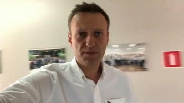 Tömeges razziák voltak az orosz ellenzék irodáiban