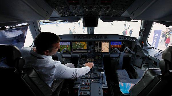 Kokpite kahve döküldü, 360 yolcusu bulunan uçak acil iniş yaptı