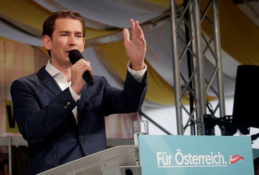 """50 sfumature di Kurz"": autobiografia di Sebastian Kurz derisa per i toni troppo adulatori"