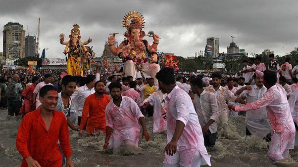 ویدئو؛ نیاش پیروان مذهب هندو با گانش، خدای هوش و عقل