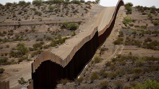 سياج حدودي بين الولايات المتحدة والمكسيك