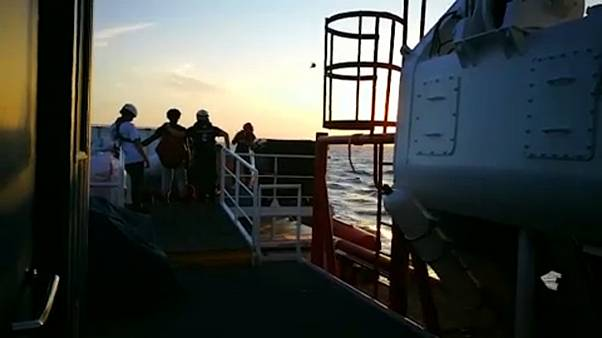 Itália e União Europeia chegam a acordo sobre migrantes no Mediterrâneo