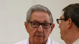 Twitter Küba lideri Raul Castro ve birçok devlet kurumunun hesaplarını askıya aldı