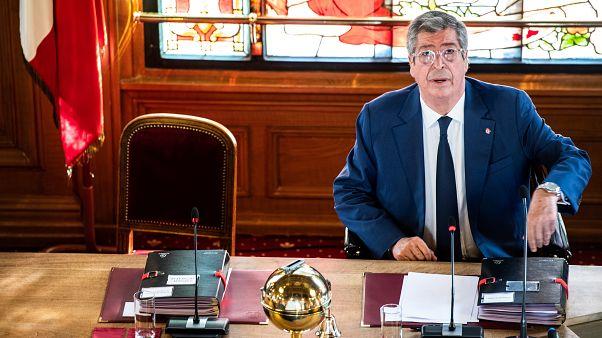 4 ans ferme ! Patrick Balkany, maire de Levallois, va directement en prison