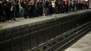 Jornada de caos circulatorio en París por una huelga masiva del transporte público
