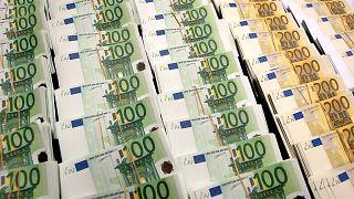 A magyar kormánynak utalt óriási brüsszeli összegek miatt gyengülhetett a forint