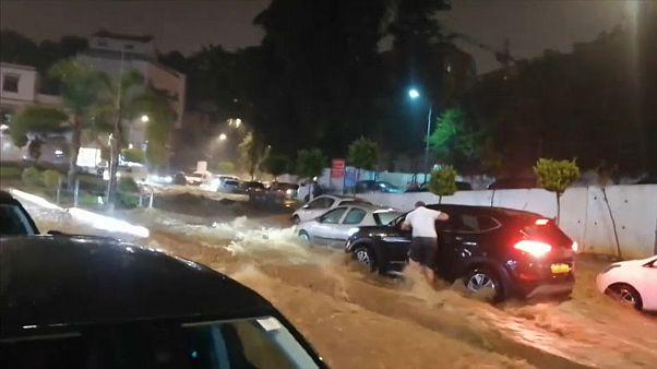 شاهد: الفيضانات تغرق العاصمة الجزائرية
