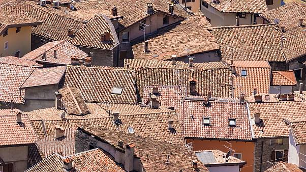 عرضٌ سخيّ من منطقة إيطالية هجرها سكانها.. 700 يورو شهرياً لمن ينتقل إليها فمن يأتي؟