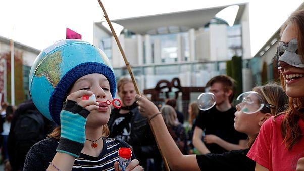 Mit Seifenblasen gegen Klimawandel