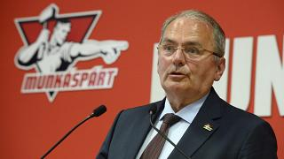 Thürmer Gyula, a Munkáspárt elnöke sajtótájékoztatót tart a párt központjában 2019. május 26-án.