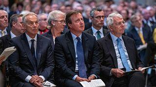 رؤساء الوزراء البريطانيون السابقون توني بلير وديفيد كاميرون وجون ميج في لندن