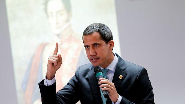 Venezuela: Kolombiyalı yasa dışı örgüt liderleriyle fotoğraf çektiren Guaido'ya soruşturma açıldı