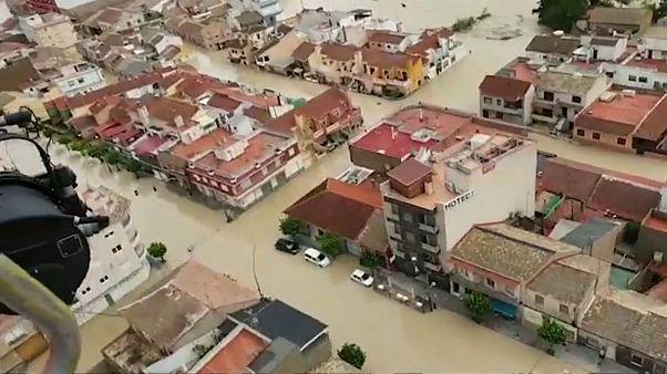 A hadsereget is bevetették Spanyolországban az áradások miatt