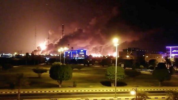 No comment: szaúdi olajterminálokra támadtak