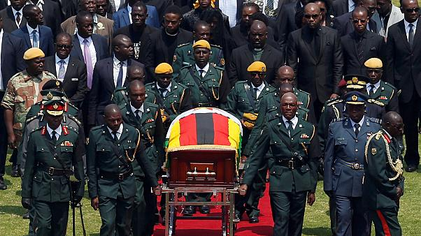 Ζιμπάμπουε: Πλήθος κόσμου στην κηδεία του Μουγκάμπε