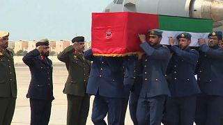 عودة جثامين 6 عسكرييين إماراتيين واستقبال عسكري في مكار أبو ظبي 14-09-2919