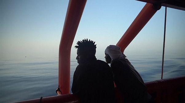 No comment: olasz partra léphet 82 menekülő